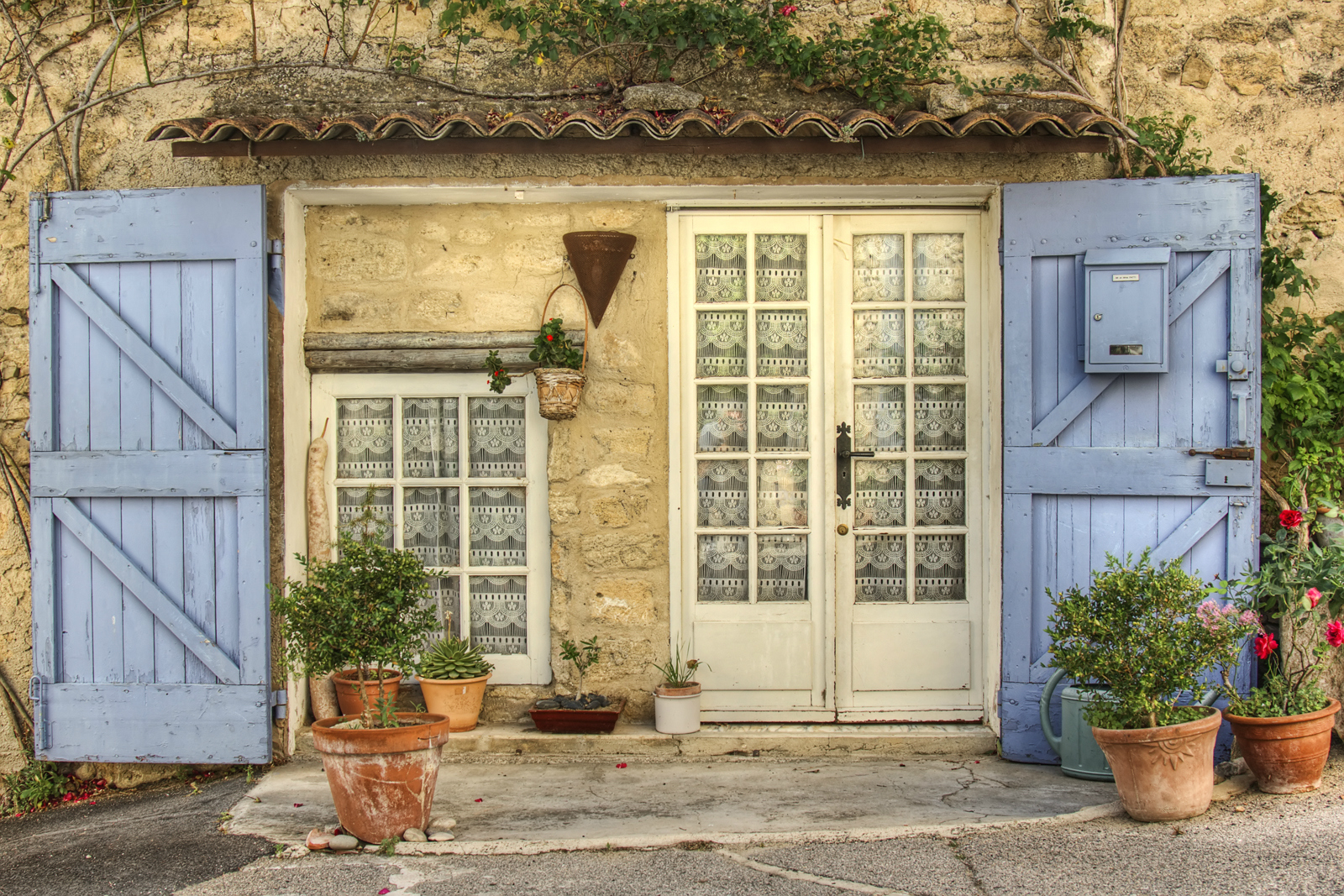 Antique Hunting In Provence