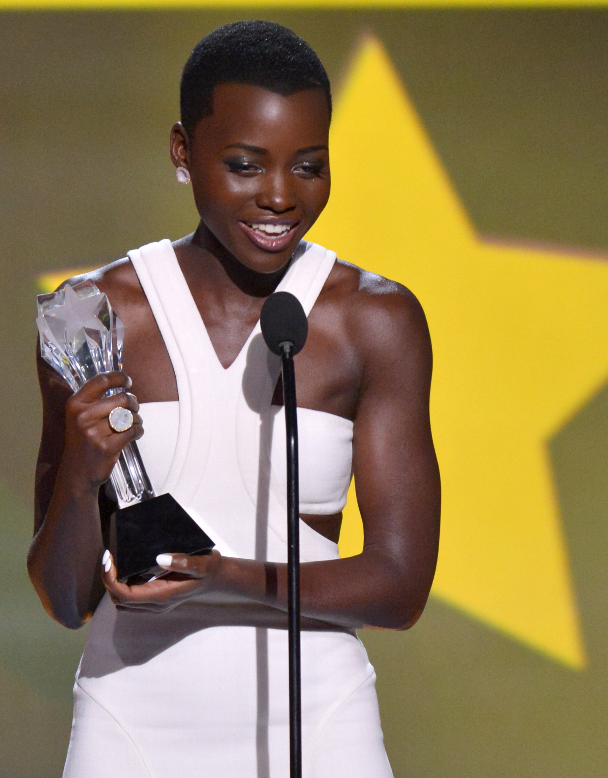 NUVO Daily Edit: Awards Season, Lupita Nyong'o, 12 Years a Slave