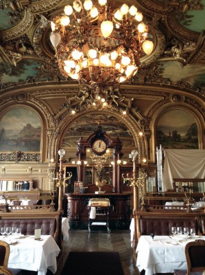 NUVO Daily Edit: Le Train Bleu