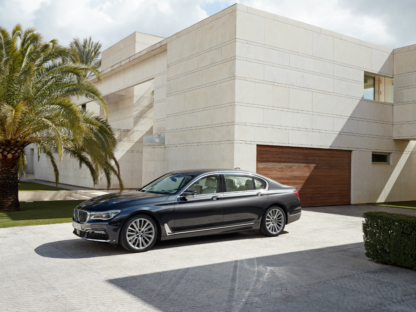 NUVO Winter 2015: Reinvented BMW 7 Series, Ticket to Ride