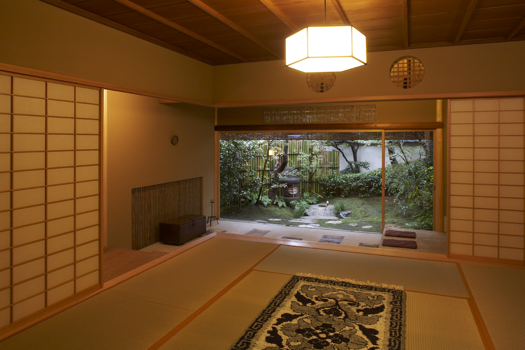 Decoding Japanese Hotels, Daily Edit