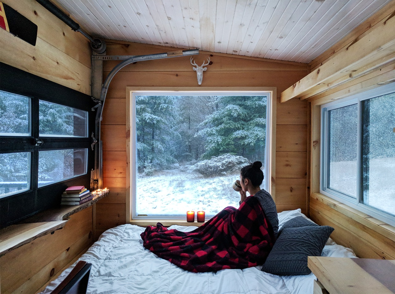 Cabinscape: A Tiny Cabin Getaway