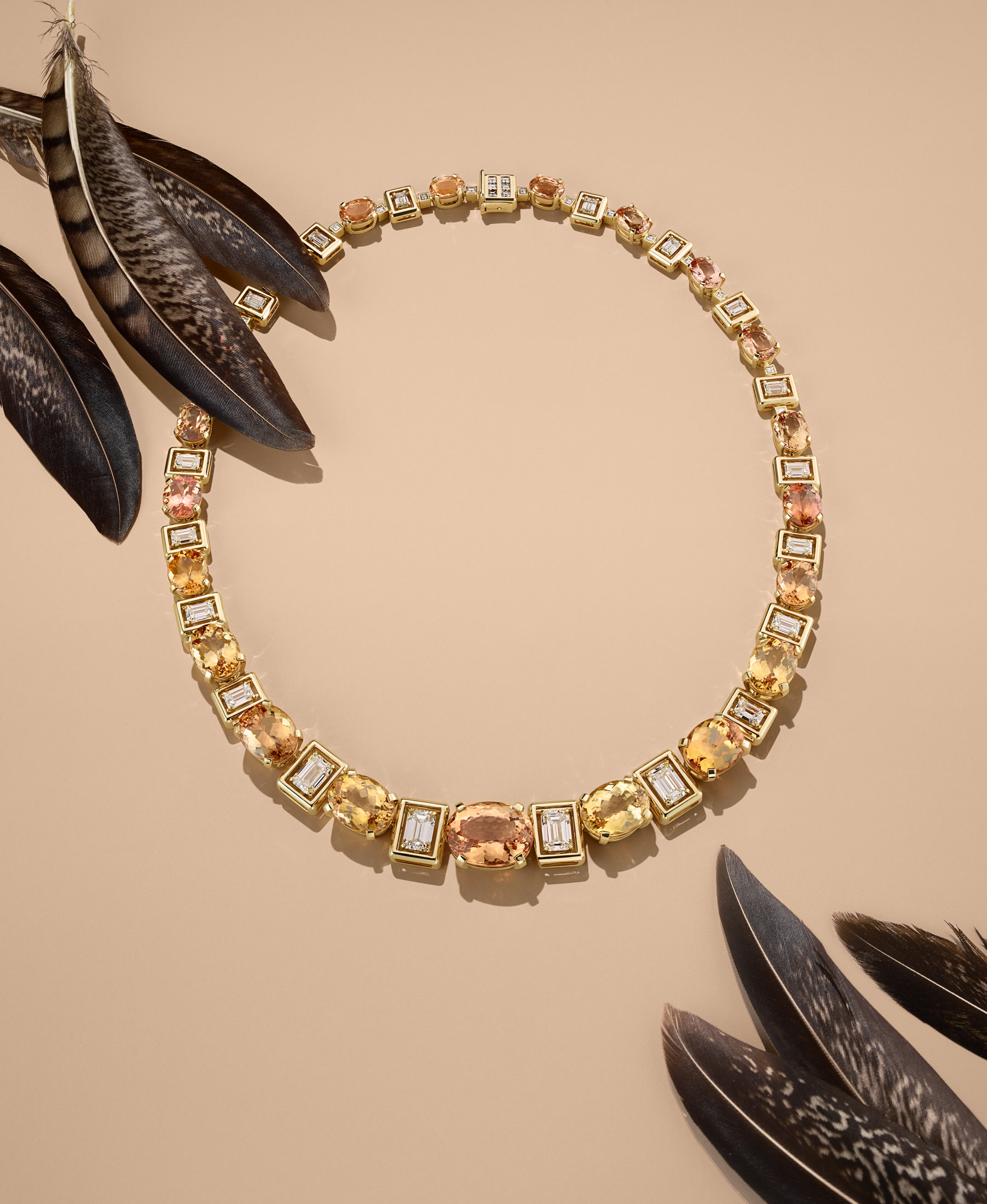 The Flora Theme: Necklace in 18-karat yellow gold with imperial topaz and diamonds.