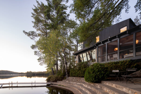 Home of the Week: Cottage on the Point by Paul Bernier Architecte