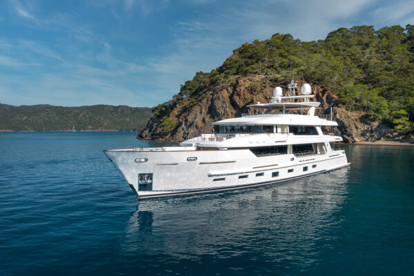A Peek Inside the 43-metre Superyacht Sunrise