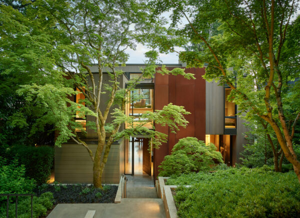 Home of the Week: Lakeside Residence by Graham Baba Architects