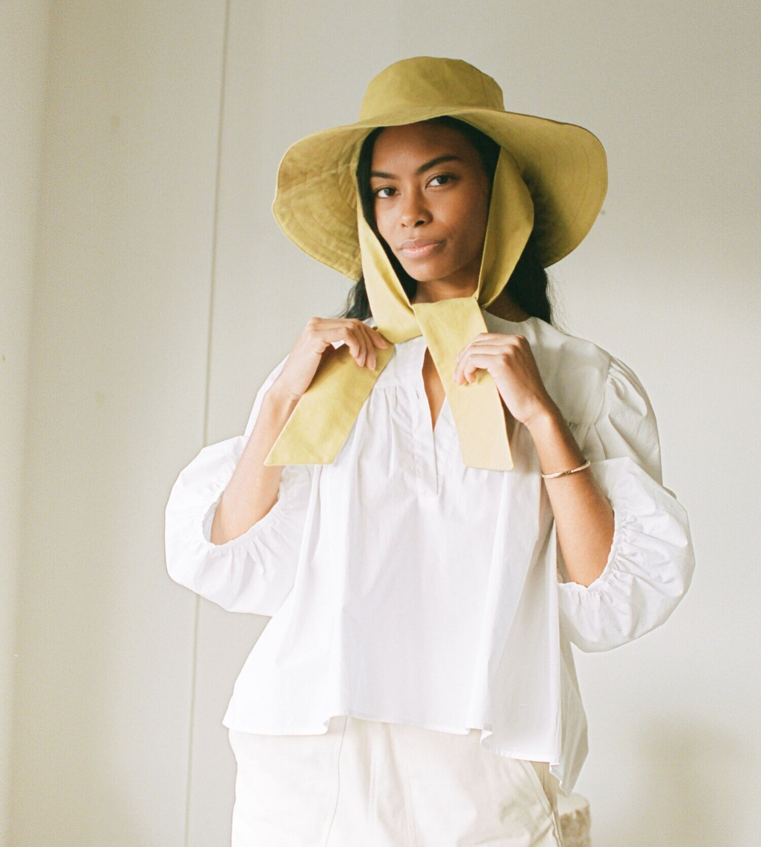 sun hat with tie