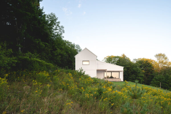 Home of the Week: Saltbox Passive House by L'Abri